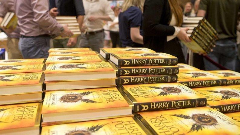 """""""Harry Potter și copilul blestemat"""" este cea mai vândută carte în 2016, în Statele Unite, cu 4,5 milioane de exemplare"""