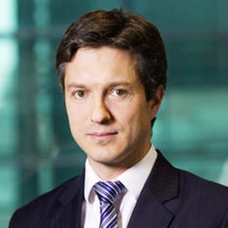 Cioloș a adus un bancher de la JP Morgan pentru a conduce Departamentul care trebuie să atragă investiții străine