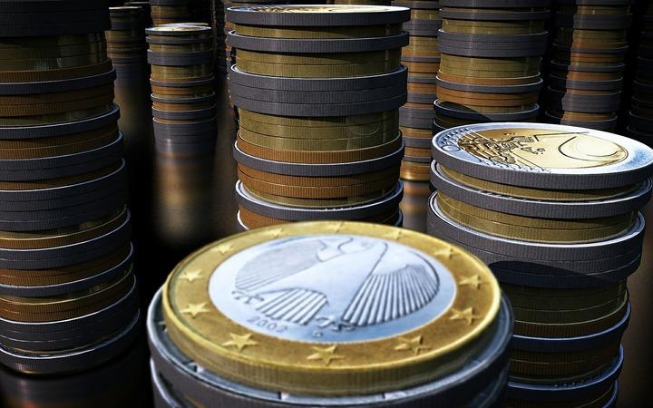 Inflația în zona euro a rămas în teritoriu negativ în mai