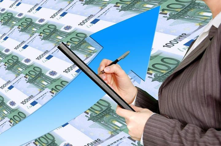 Aproape jumătate din taxele colectate de Fisc provin de la 1.500 de mari companii