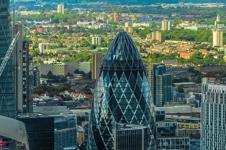 Economia Marii Britanii a crescut peste așteptări înainte de votul pro-Brexit, cu 0,6% în trimestrul doi