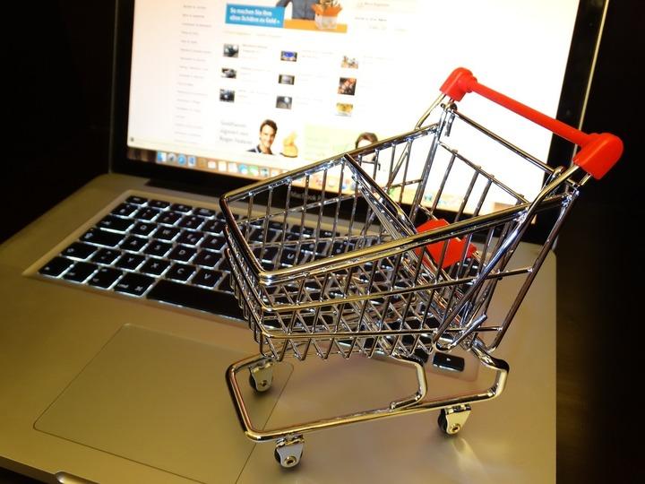 Marii retaileri online își consolidează poziția pe piața transporturilor de colete