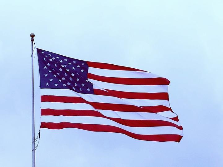 Creșterea economică a SUA în trimestrul al doilea a fost revizuită în scădere ușoară