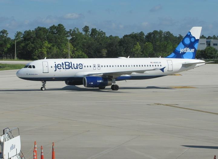 SUA acordă dreptul de a opera zboruri comerciale spre Havana unui număr de opt companii aeriene