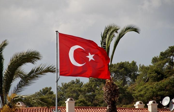 Moody's a retrogradat ratingul Turciei în categoria junk, nerecomandată investițiilor