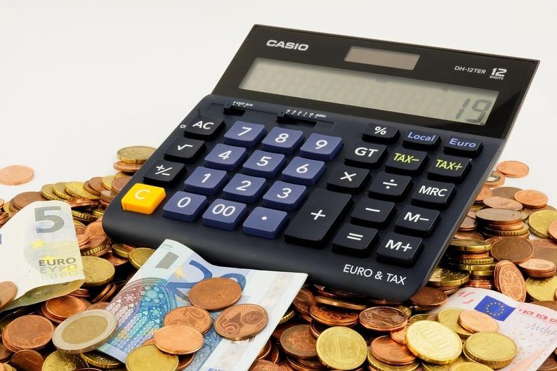 Taxele și impozitele care nu vor putea fi plătite online vor fi desființate automat