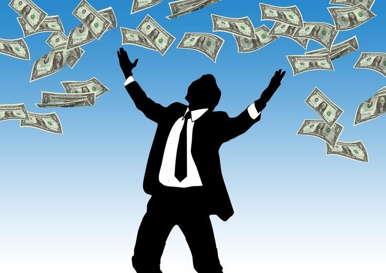 Decizie finală: Salariile bugetarilor cresc cu 10% din decembrie, dacă Iohannis nu întoarce legea