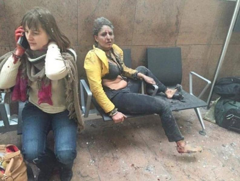 VIDEO & FOTO Explozii pe aeroportul din Bruxelles, urmate de alte explozii la metrou, lângă sediul CE. Fiica lui Rednic, aflată pe aeroport: Au fost focuri de arme