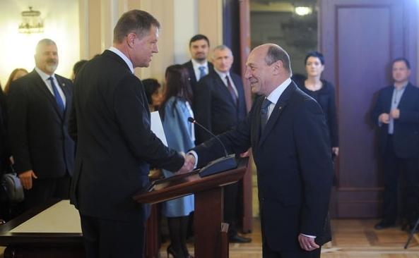 Iohannis scapă de toți oamenii lui Băsescu. Ce decizie a luat