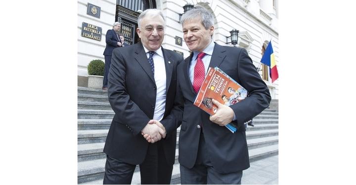 """Isărescu a donat 15.000 de lei pentru """"Cumințenia Pământului"""", la fel ca premierul Cioloș"""