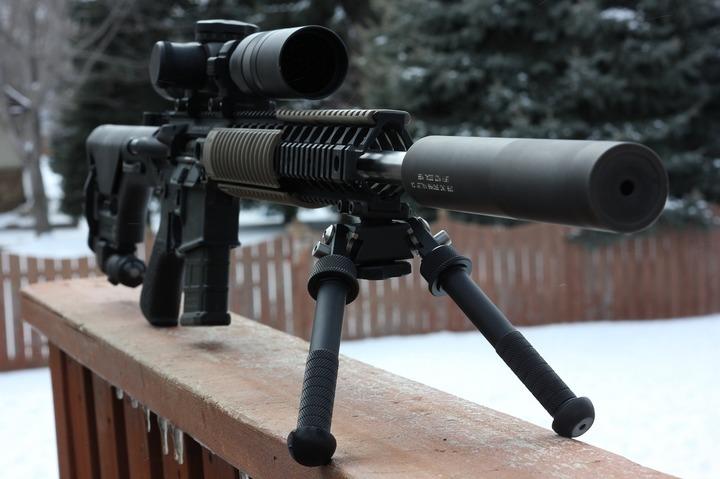 Mai multe țări est-europene, inclusiv România, au vândut arme de peste un miliard de euro care au ajuns în Siria și Yemen