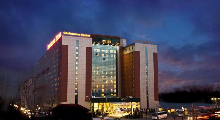 Procurorii DNA au declanșat percheziții la RIN Grand Hotel, deținut de primarul Robert Negoiță