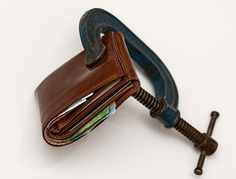EXCLUSIV Modificări la Codul Muncii: Modul de stabilire a salariului minim va fi schimbat