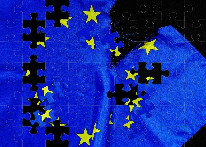 Ministru italian: Va fi începutul sfârșitului dacă UE nu acceptă bugetul Italiei
