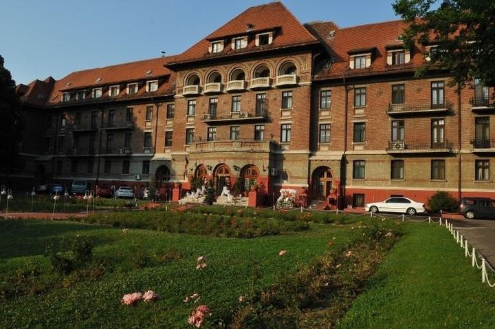 Guvernul schimbă planul: Hotelul Triumf va fi cedat Ministerului de Externe, ca spațiu pentru un nou sediu