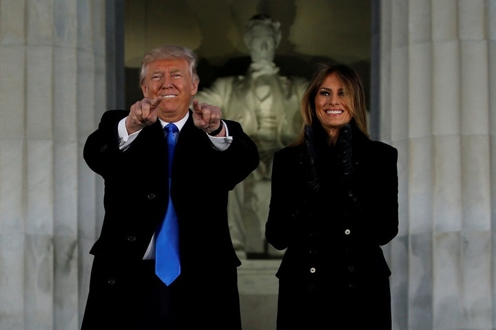 FOTO&VIDEO Donald Trump a depus jurământul și a devenit al 45-lea președinte al Statelor Unite. Proteste de stradă și conflicte cu poliția