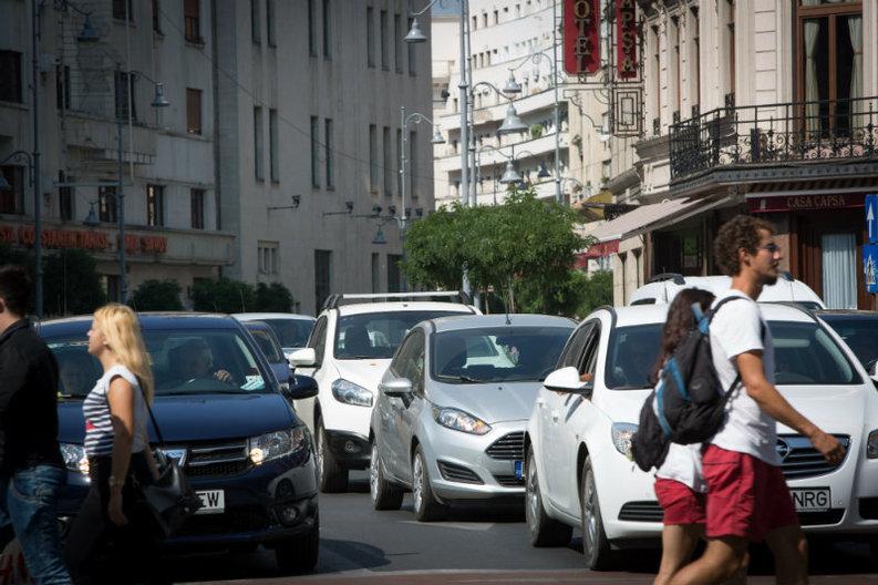 Schimbări pregătite pentru proprietarii de mașini: Timbrul de mediu transformat în impozit anual, fără reduceri