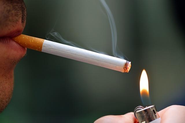 Contrabanda cu țigarete a crescut cu aproape trei puncte procentuale în noiembrie, la 17,5%