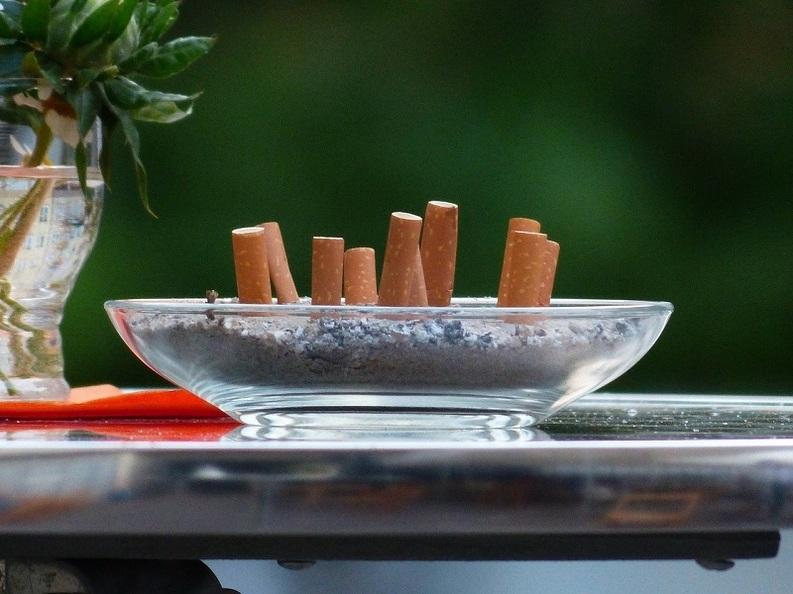 EXCLUSIV Producătorii de tutun prezintă Guvernului o variantă de compromis: Toate produsele să fie vândute în paralel