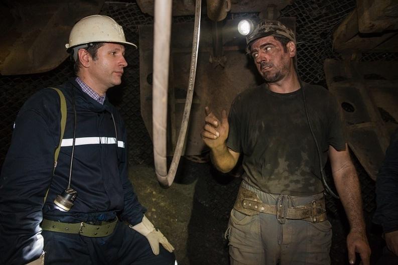 Ministrul Energiei cere directorilor din companiile în insolvență sau cu pierderi să își reducă salariile