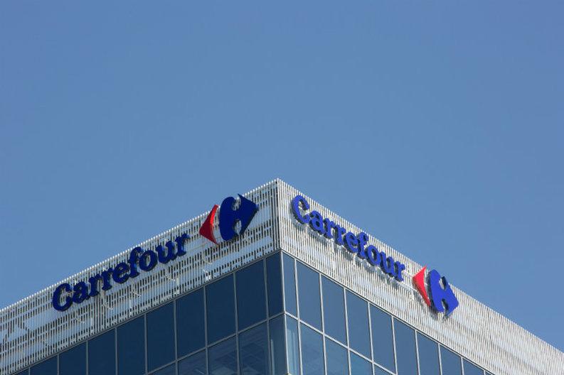 Carrefour a majorat cu până la 21% salariile pentru 95% dintre angajații de bază din magazine