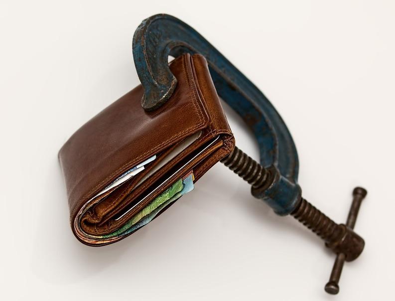 EXCLUSIV Toate cele trei variante ale legii salarizării bugetarilor au fost respinse din cauza costurilor