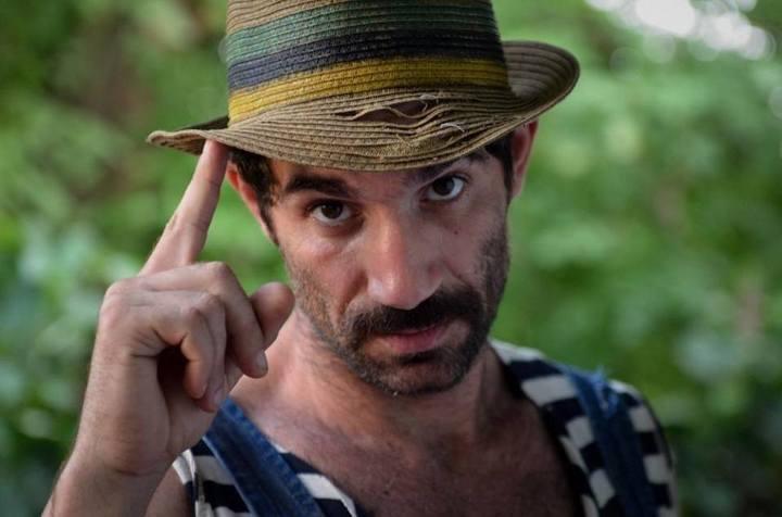 """""""Firicel"""" își încheie socotelile cu banca: Actorul din Las Fierbinți și-a dat garsoniera în plată"""