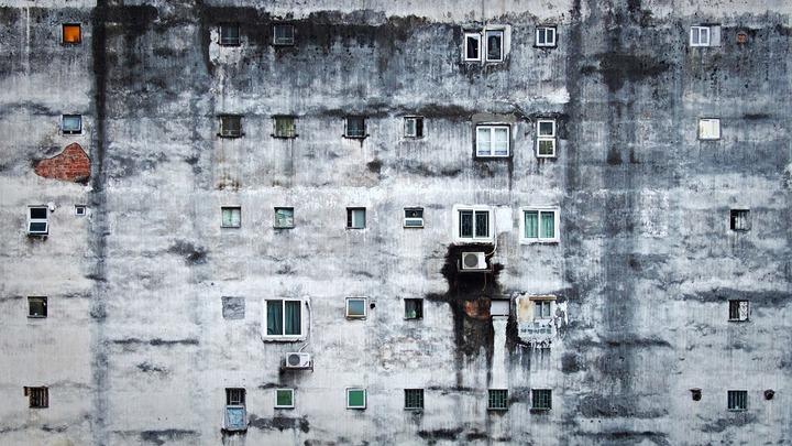 Statul vrea să oblige dezvoltatorii imobiliari să îi construiască locuințe sociale