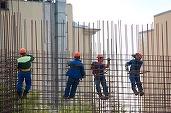 Firmele și persoanele fizice care trec peste regulile de construcții primesc de astăzi amenzi duble