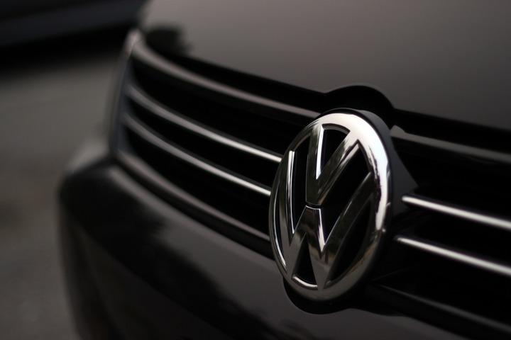 Primăria Londrei a calculat cât au poluat mașinile Volkswagen care au trișat la testele de noxe. Producătorul auto, bun de plată