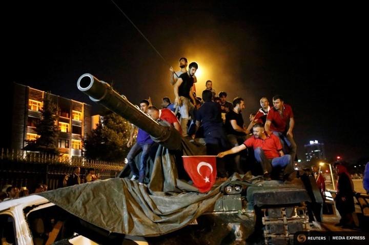 Manager: Turcii cu bani încep să cumpere locuințe în România, speriați de situația din Turcia