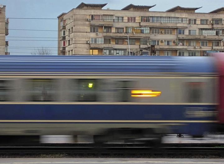 CFR Călători a anulat sâmbătă cinci trenuri pe trei rute, nefiind linii închise ori trenuri blocate