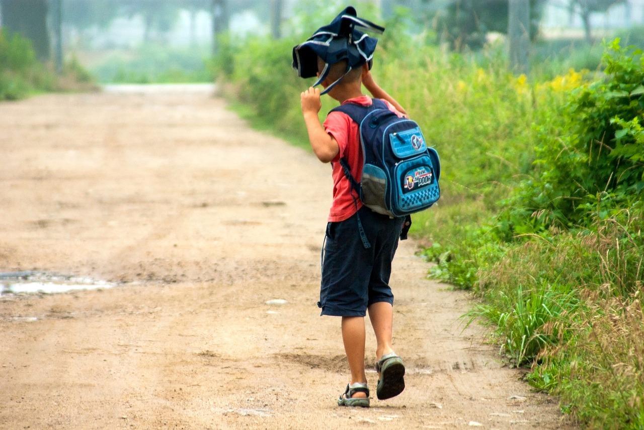 EXCLUSIV Guvernul amână din nou, din lipsă de bani, acordarea a 500 de euro pentru educația permanentă a