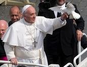VIDEO Papa Francisc a folosit în Armenia un autoturism Renault Logan