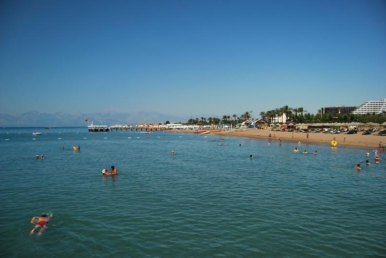 TUI Turcia contrazice autoritățile din turism: România n-are șanse să atragă rușii care nu mai merg în vacanțe în Antalya