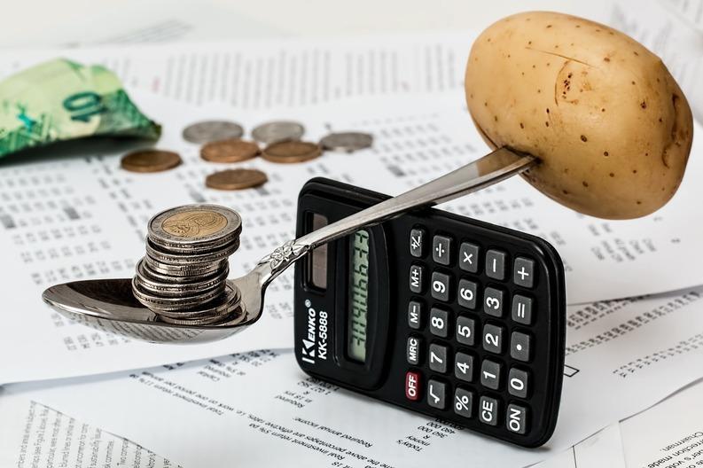 Rata anuală a inflației a coborât în februarie la -2,7%, un nou nivel minim istoric