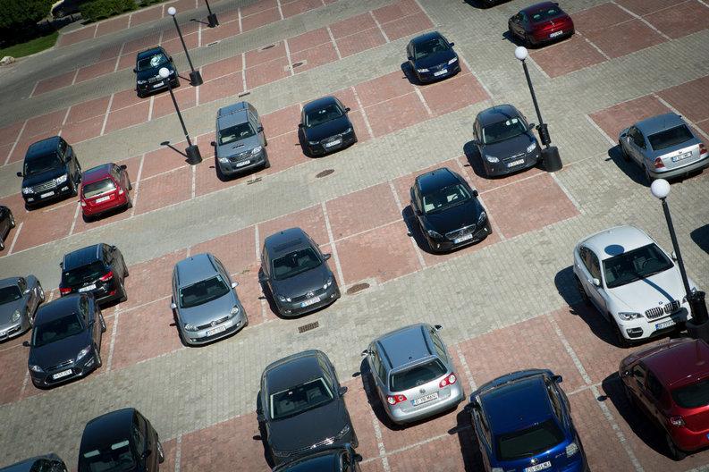 Mesaj al Ministerului Mediului pentru proprietarii de mașini care își vor înapoi taxa auto