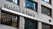 """Agenția de rating S&P i-a retras Marii Britanii calificativul maxim și l-a redus la """"AA"""", cu perspectivă negativă"""