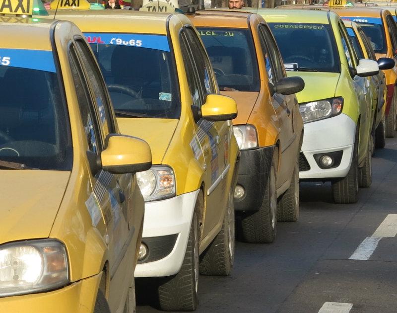 Lovitură pentru toate taxiurile din România! Ce lege va intra în vigoare