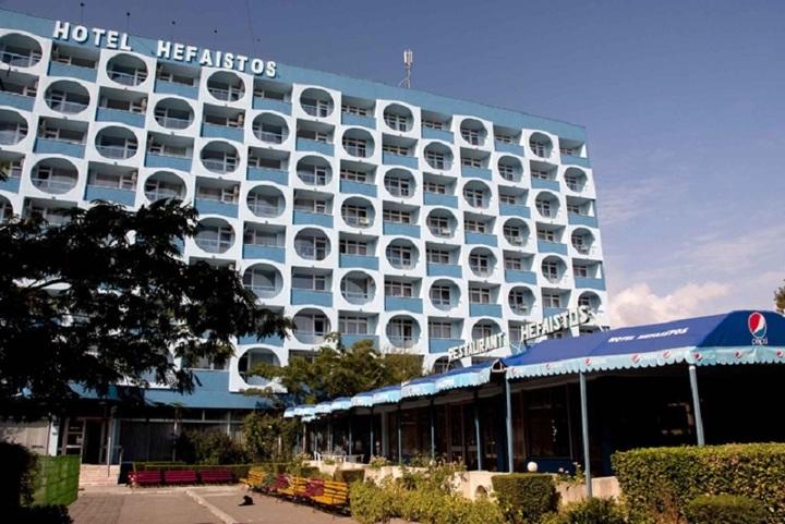 FOTO Hotelurile Hefaistos din Eforie Nord și Covasna vor fi scoase la vânzare