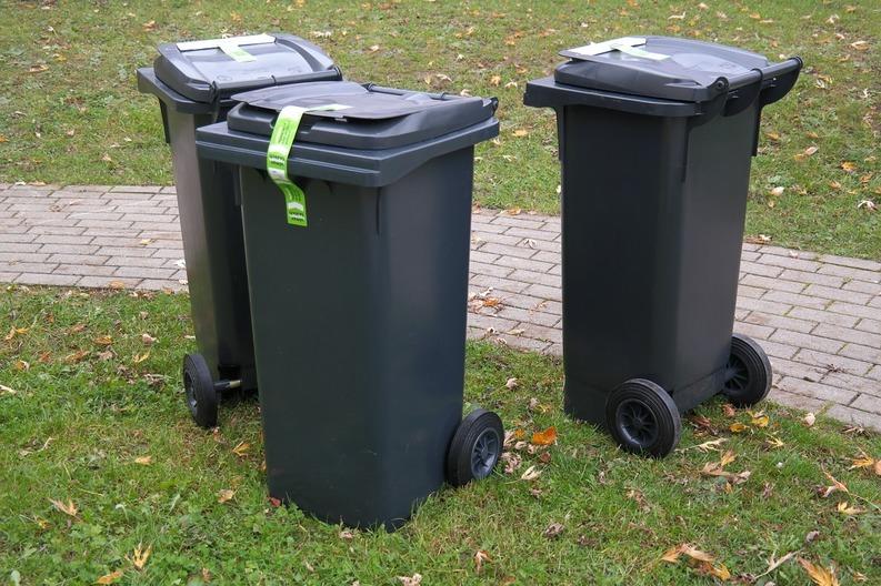 Taxe de salubritate mai mari: la 1 ianuarie 2017 intră în vigoare o taxă pentru depunerea deșeurilor la groapa de gunoi