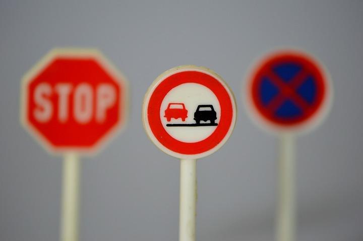 Oportunități 21 iulie - Primăria Craiova solicită oferte pentru furnizarea de indicatoare rutiere