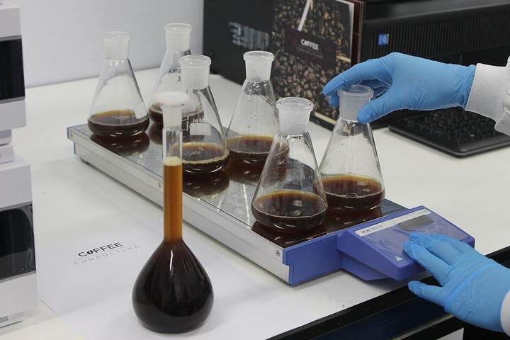 Oportunități 29 august - Spitalul de Boli Infecțioase Iași organizează licitație pentru furnizarea de reactivi și consumabile pentru laborator