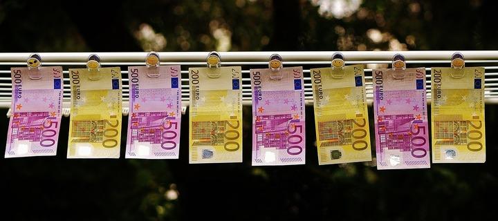 Firmele mici pot cere și primi de astăzi minimum 25.000 euro și cel mult 200.000 euro pentru propria afacere
