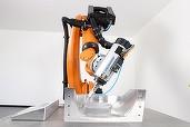 Creșterea vânzărilor de roboți industriali s-a înjumătățit anul trecut și ar putea încetini și în următorii ani
