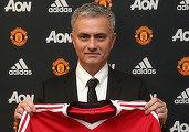 Manchester United a renunțat la filosofia lui van Gaal pentru misticismul și romantismul lui Mourinho, care devine cel mai bine plătit antrenor din lume