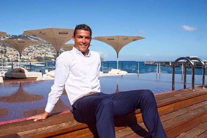 Cristiano Ronaldo și-a deschis un hotel în Madeira. Aeroportul din Funchal va primi numele starului portughez