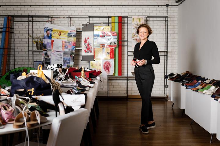 Cristina Bâtlan și secretele unei companii care vinde pantofi în toată lumea