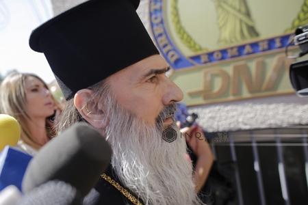 Arhiespiscopul Tomisului, IPS Teodosie, audiat ca martor, la Judecătoria Constanţa, într-un dosar de şantaj