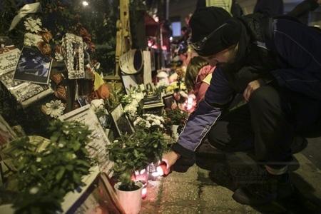 Victimele din Colectiv, comemorate printr-un marş al tăcerii, inaugurarea a două monumente şi concerte, la un an de la tragedie